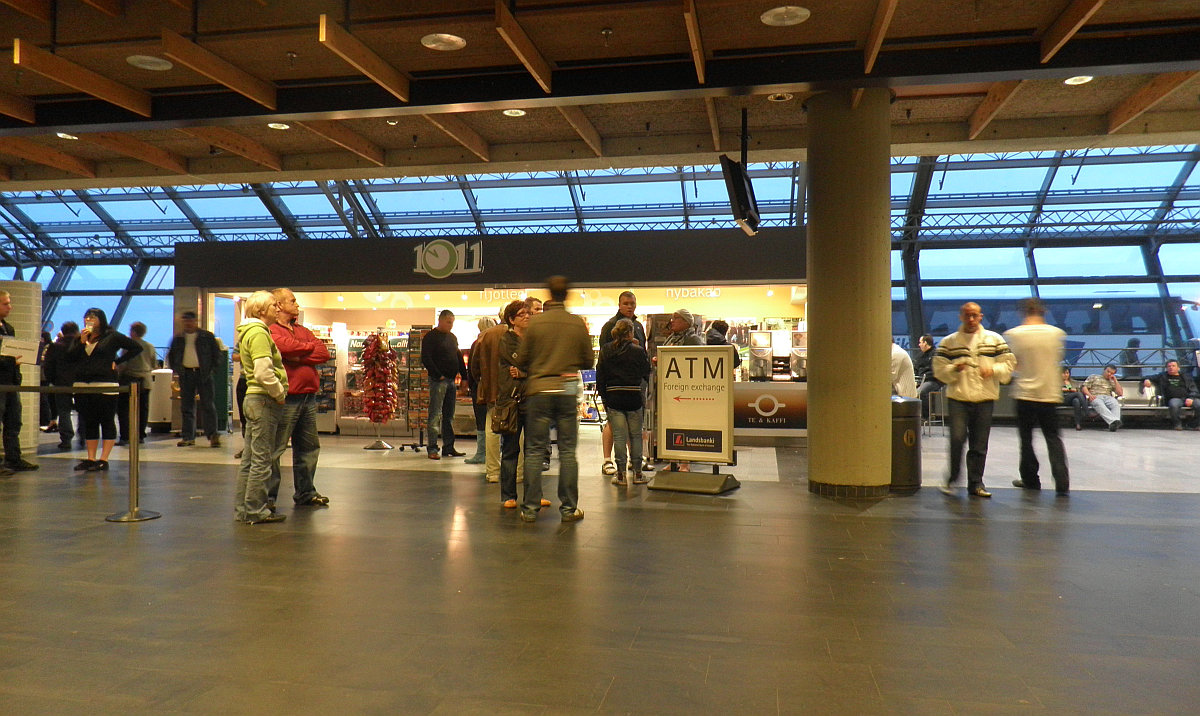 How To Get From Keflavik International Airport To