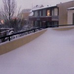 111229_snow_balcony_1027
