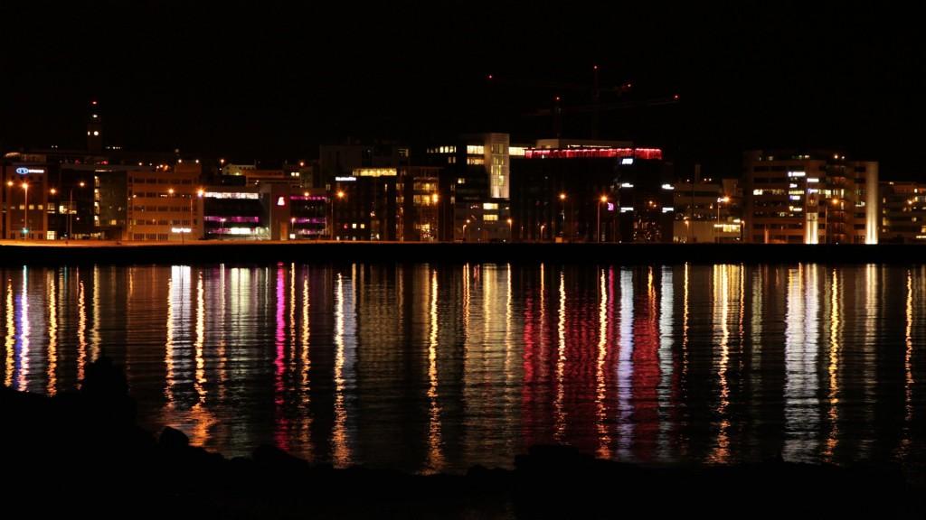 131018_9870_reykjavik_night