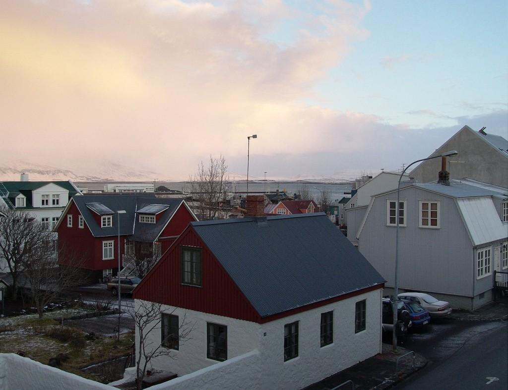 101 Reykjavik weather report