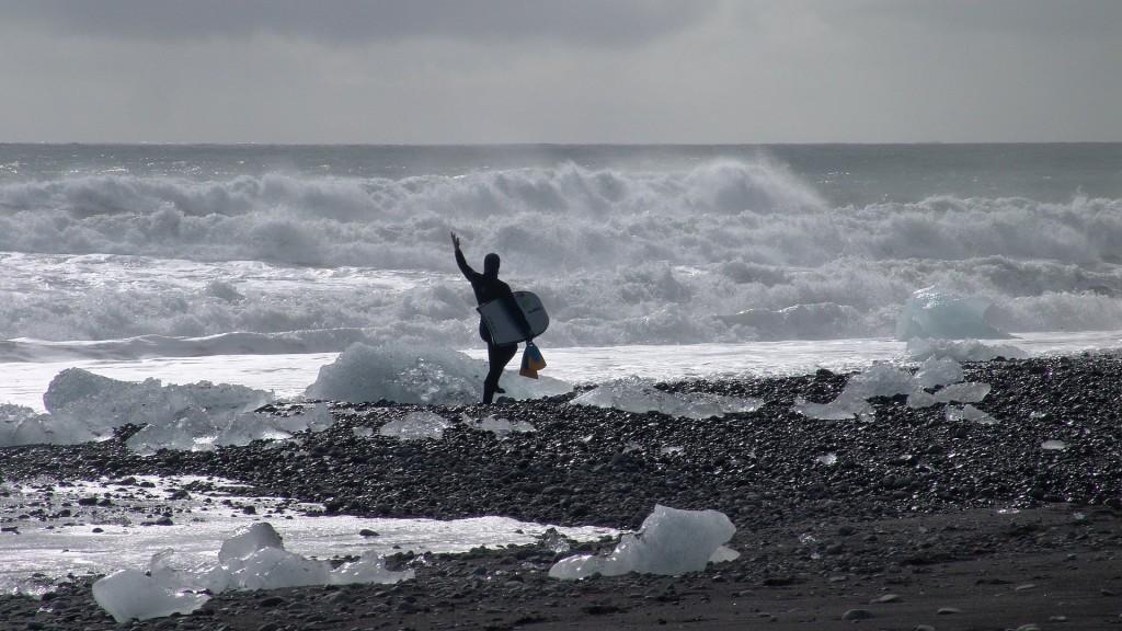 140408_1796_surfer